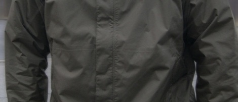 This is a rain jacket with the kind of zipper I'm looking for.